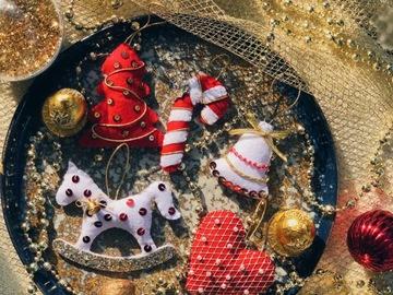 : Felt handmade Christmas tree ornaments