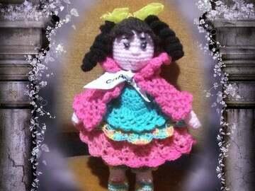 Vente au détail: poupée au crochet
