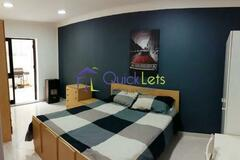 Rooms for rent: San Gwann - Room for Rent
