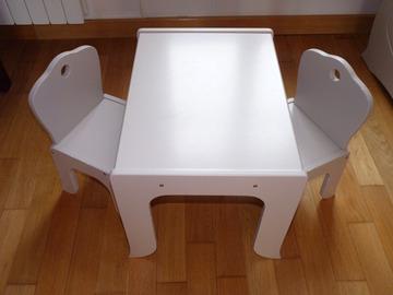 Selling: Ensemble table + chaises bébé taupe Poyet Laguelle