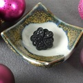 Selling with online payment: Recycled Vintage Flower Button Brooch