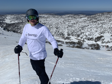Offering with online payment: Ski Guide in Perisher and Thredbo
