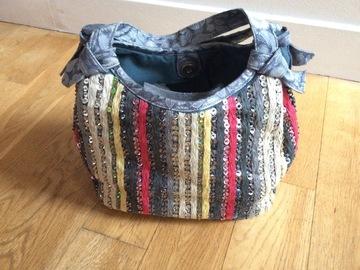Vente: Petit sac multicolore à sequins