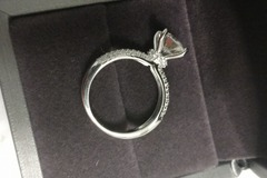 Liquidation/Wholesale Lot: 2.0 CT Diamond Ring with mystery lot