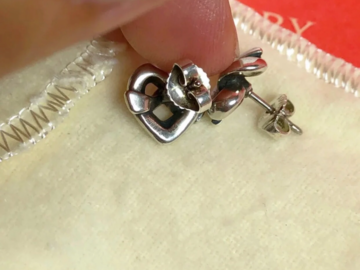Other Item: James avery heart earring