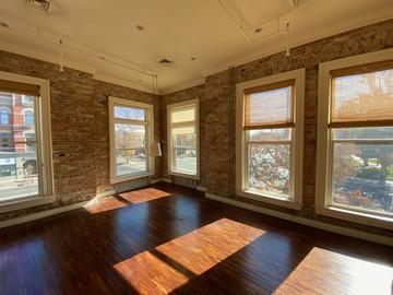 Hourly Rental: Brick Avenue Studio