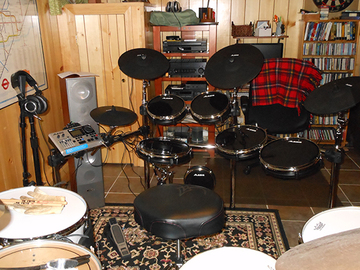 Selling with online payment: Alesis DM10 Kit