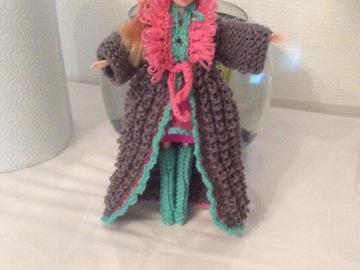 Vente au détail: Manteau Barbie en tricot