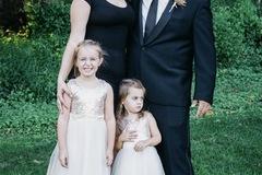 VeeBee Virtual Babysitter: SAHM with 2 little girls