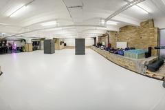 Vermiete Gym pro H: 120 m² Mattenfläche