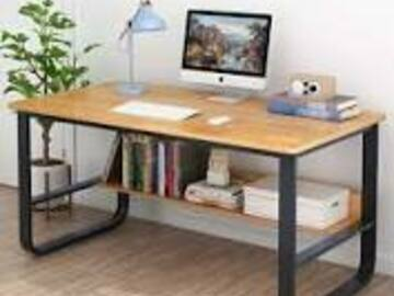WorkSpot for a Day : SAMPLE-Small desk in a bright office