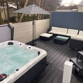 Online Bookings: Amazing Private Hot Tub & Lounge Mini Lodge