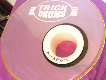 """Selling with online payment: TRICK 18"""" Logo bass drum clear head w/ Kickport"""