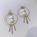 Selling with online payment: Gold and Pearl Earrings