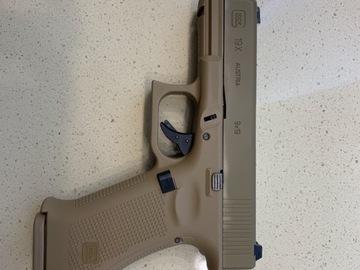 Selling: Umarex Glock 19X GBB