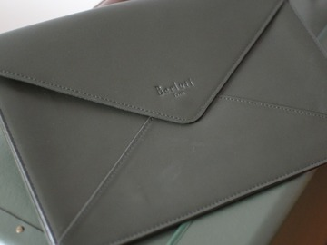 Selling with online payment: Berluti leather pouch