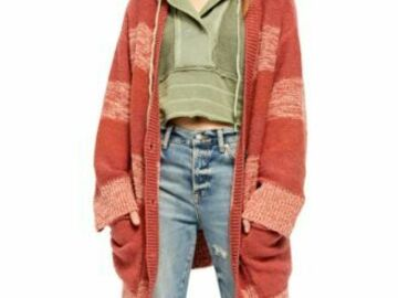 Buy Now: 60pc Women's New 'FREE PEOPLE' Fall/Winter mixed lot.