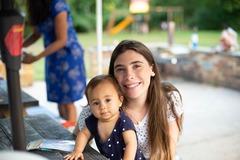 VeeBee Virtual Babysitter: babysitter bilingual