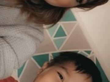VeeBee Virtual Babysitter: Babysitter/21 years old