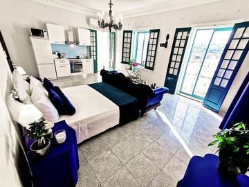Rooms for rent: HUGE SUITEWITH POOL VIEW - San Gwann