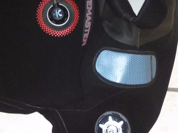 Selling: Very nice drysuit for a commercial or sport diver