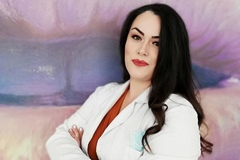 VeeBee Virtual Babysitter: Babysitter/tutor/BFF/Dentist