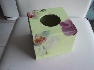 Vente au détail: Boîte à mouchoirs carrée orchidées