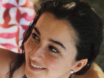 VeeBee Virtual Babysitter: Baby sitter , tutor and Spanish teacher
