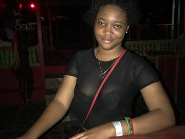 VeeBee Virtual Babysitter: Jamaican Babysitter