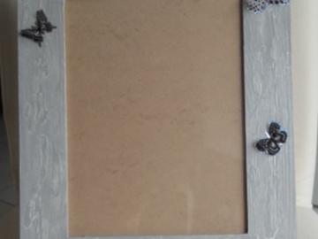 Vente au détail: Cadre photos gris et ses papillons