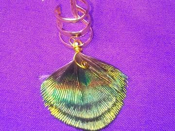 Vente au détail: Bague d'oreille fantaisie plume de paon (plusieurs modèles dispon