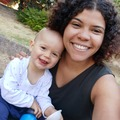VeeBee Virtual Babysitter: Babysitter / speak in french and in english