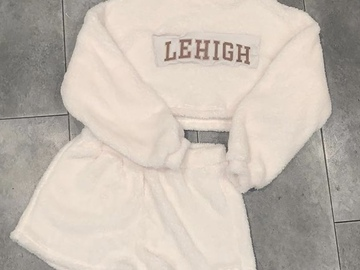 Selling A Singular Item: Lehigh Sherpa set