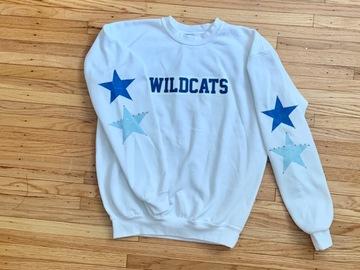 Selling A Singular Item: Villanova crewneck/sweatshirt