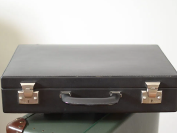 Selling with online payment: Cartier 'Attache' Brief Case