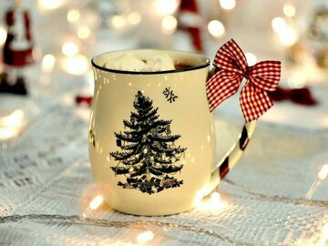 Selling: Festive Coffee Cup Reading