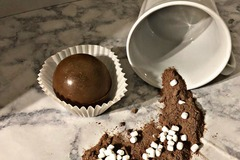 Selling with online payment: Hot Cocoa Bomb