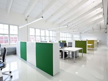 Renting out: Työpisteitä vuokrattavana designtoimistossa Sörnäisissä
