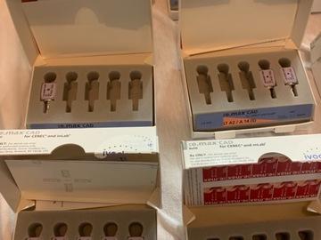 Nieuwe apparatuur: E Max cad Cerec inlab blokjes