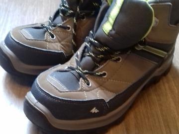 Vente: Chaussures de randonnée enfant pointure 35