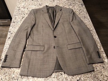 Selling with online payment: Medium Gray 3-piece Egara Wool Suit