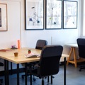 Office Space - bookable per day: Small desk in creative co-working space