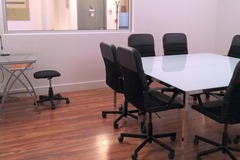 Hourly Rental: Spacious Creative Meeting Room in Greenpoint