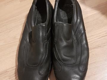 Myydään: Oil-resistant work shoes / Työkengät