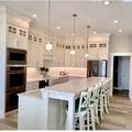 Hourly Rental: Modern kitchen