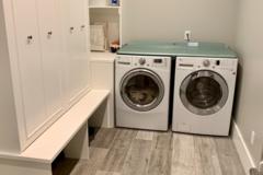 Hourly Rental: Laundry room