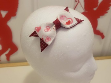 Selling with online payment: Valentines Day Bow Small - Alligator Clip