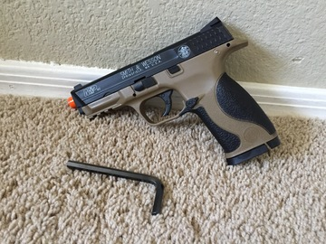 Selling: KWC Airsoft Licensed Smith & Wesson M&P40 CO2 Pistol Dual Tone