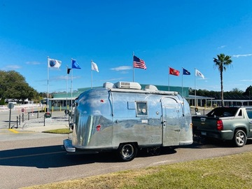Trailer Sales: 1964 Airstream Globetrotter