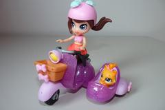 Vente: Littlest Petshop Poupée blythe et son scooter et mini-figurine